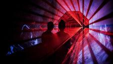 Hara je hypnotizující světelná instalace s japonským vzorem