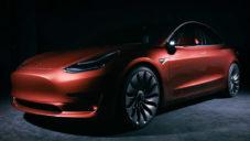 Model 3 od Tesly stojí 850 tisíc a svezete se s ním za rok