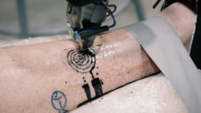 world-first-tatto-robot