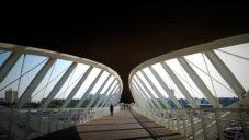 Izraelské město Beerševa má most pro pěší tvořený dvěma oky