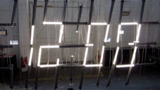 tube-lamp-clock