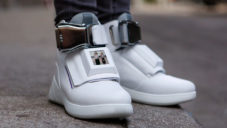 Virgin America a Eleven vyvinuli boty s displejem First Class Shoe