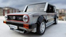 Turek si z kostek Lega postavil Volkswagen Golf MK1 GTI
