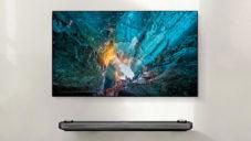 Ultra tenká televize LG Signature W se lepí na stěnu jako tapeta