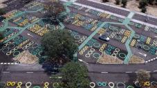 Španělské parkoviště dostalo nový kabát plný kruhů