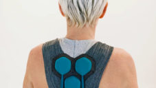 FuseProject a Superflex navrhli stárnoucí populaci oblek Aura