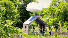 Cloud House je zahradní domek sbírající dešťovou vodu