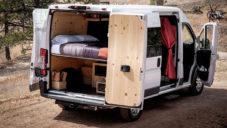 Native Campervans vestavěli do dodávky komfortní bydlení na cesty