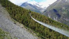 Švýcarsko otevřelo nejdelší lanový most pro pěší na světě