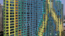 UNStudio převléklo jihokorejský Daegu Ipark do barev duhy