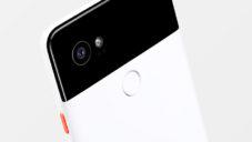 Google představil mobil Pixel 2 s barevnými tlačítky