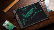 Blackboard je tablet s průsvitným displejem pro psaní a kreslení