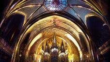 Interiér baziliky v Montreálu se stal plátnem pro videomapping Aura