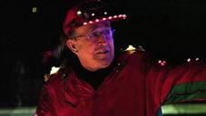 Mr. Christmas si už 30 let zdobí dům vlastnoručně vyrobeným vánočním osvětlením
