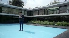 Slavný architekt Fernando Romero ukazuje svou vilu v Mexico City