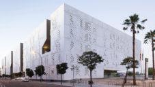 Madrid si postavil moderní justiční palác podle návrhu od Mecanoo