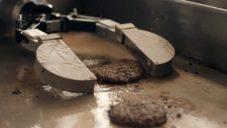 Miso Robotics vyvinuli robota Flippy určeného nejen na otáčení hamburgerů