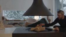 Francouzský designér Noé Duchaufour-Lawrance ukazuje interiér svého domu v Paříži