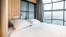 V Amsterdamu přestavěli starý průmyslový jeřáb na bydlení pro čtyři