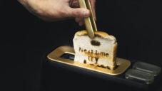 Dear System je koncept příliš chytrého toasteru plného emocí