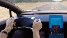 Tesla natočila výrobu aut ve své továrně i nejnovější modely za jízdy