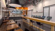 Absolventi MIT vyvinuli robotickou restauraci Spyce s levným a chutným jídlem