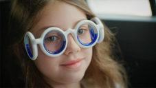 Speciální brýle Seetröen pomáhají odstranit nevolnost na cestách