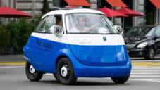 Microlino je malé městské retro vozítko pro dva s nastupováním v čele