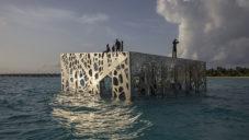 Jason deCaires Taylor vytvořil na Maledivách podmořské Coralarium