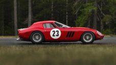 Sběratelské závodní Ferrari 250 GTO z roku 1962 jde do aukce