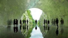 MAD oživili starý japonský tunel barvami a vyhlídkou s vodní plochou