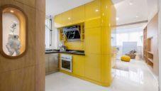 Malý byt v čínské Šanghaji má skříně důmyslně pootočené o 10 stupňů