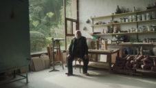 Španělský sochař Joan Gardy-Artigas ukazuje svůj venkovský dům a ateliéry
