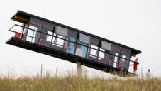 ReActor je experimentální dům otáčející se 360 stupňů a naklánějící se na strany