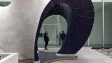 Zaha Hadid Architects postavili pletený pavilon KnitCandela s tenkou vrstvou betonu