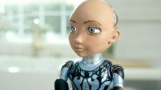 Little Sophia je malý programovatelný robot pomáhající dětem se učit