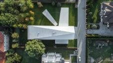 Quadrant House je extrémně minimalistický rodinný dům s pohyblivou terasou