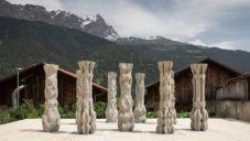 Ve Švýcarsku vystavují devět sloupů vyrobených 3D tiskem z betonu