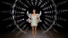 Iris van Herpen představila hypnotizující módní kolekci Hypnosis
