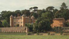 Designér interiérů Pierre Yovanovitch ukazuje své bydlení na zámku v Provence