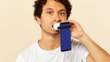 Uunn pro chytré telefony skenuje zuby a radí s jejich dočištěním