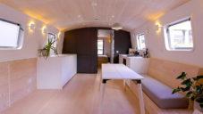 Britka navrhla útulný 40metrový domov na lodi zakotvené v Londýně