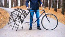Americký tým kutilů vyrobil chodící jízdní kolo ze 400 komponentů