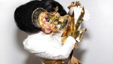 Björk s Microsoftem vytvořili umělou inteligencí hudební kompozici Kórsafn