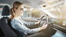 Bosch vyvinul průhledné LCD stínítko do auta stínící jen oči řidiče