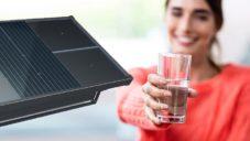 Source jsou revoluční hydropanely získávající pitnou vodu ze vzduchu