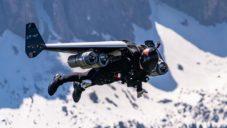 Jetman Dubai je oblek s motory a křídly pro létání jako letadlo