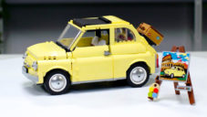 Designér navrhl pro Lego stavebnici legendárním vozem Fiat 500
