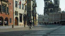 Festka natočila video o bezpečné cyklistice ve vylidněném Česku
