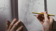 Dyson natočil video o navrhování svých revolučních vysavačů